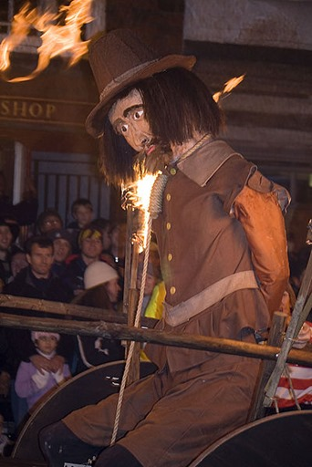 Lewes_Bonfire,_Guy_Fawkes_effigy