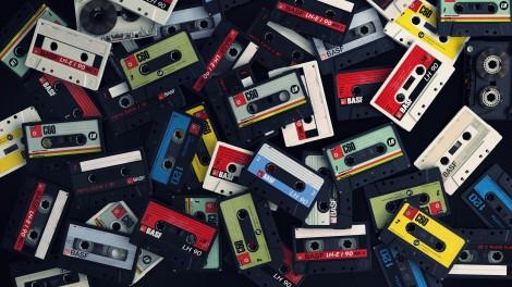 Creative_Wallpaper_Film_music_cassettes_093627_.jpg